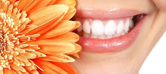 Dantų balinimo priemonėmis gali būti ir maisto produktai